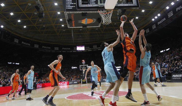 Valencia Basket atacó largo y Dubljevic recibió falta personal, convirtiendo los dos tiros libres. Heurtel anotó rápido pero el equipo taronja sacó rápido y recibió San Emeterio, que recibió personal y tampoco perdonó. Navarro no anotó, Valencia Basket aseguró el rebote y el partido con los tiros libres finales para un triunfo por 81-76