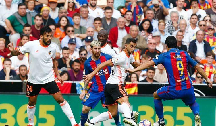 Messi y Suarez decisivos en Mestalla/ Foto: Lázaro de la Peña.