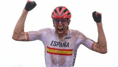 DAVID VALERO. El ciclista se llevó la segunda medalla olímpica para España en los Juegos Olímpicos de Tokio, dando la sorpresa con una remontada desde el puesto número 35 para completar el podio al lado del británico Thomas Pidcock, y el suizo Mathias Flueckinger.